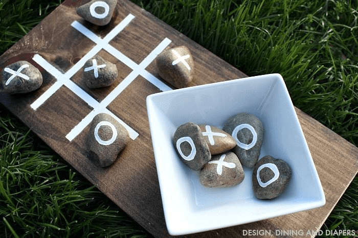 33 Awesome DIY Outdoor Games For Summer Fun DIY Tic Tac Toe from Tatertots & Jello