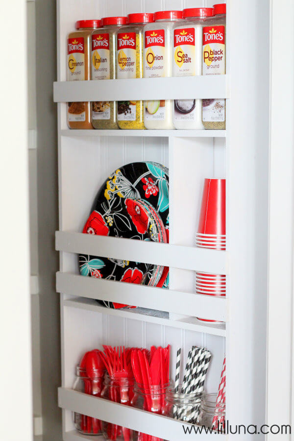 I'm always looking for easy kitchen organization ideas, and these DIY budget-friendly tips! Lil Luna's pantry organizer is a great DIY you can do in a weekend! #KitchenOrganization #KitchenOrganizationDIY #kitchentips #kitchenideas #organization #organizationideas