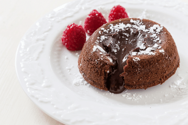 This Keto Chocolate Mug Cake Is The No-Bake Low Carb Microwave Dessert You're Looking For