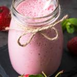 keto-strawberry-smoothie-recipe