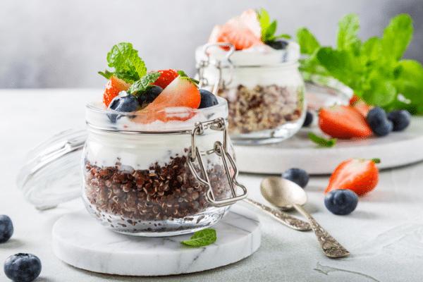 berry quinoa smoothie bowls